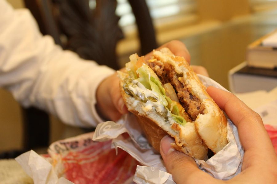 Fast+food+has+contributed+to+many+health+issues%2C+both+physically+and+mentally%2C+for+Americans.