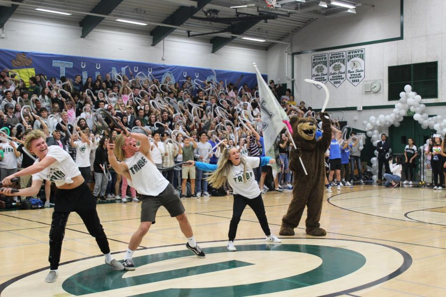 Tribe Leaders unite the student body in a show of homecoming pride.