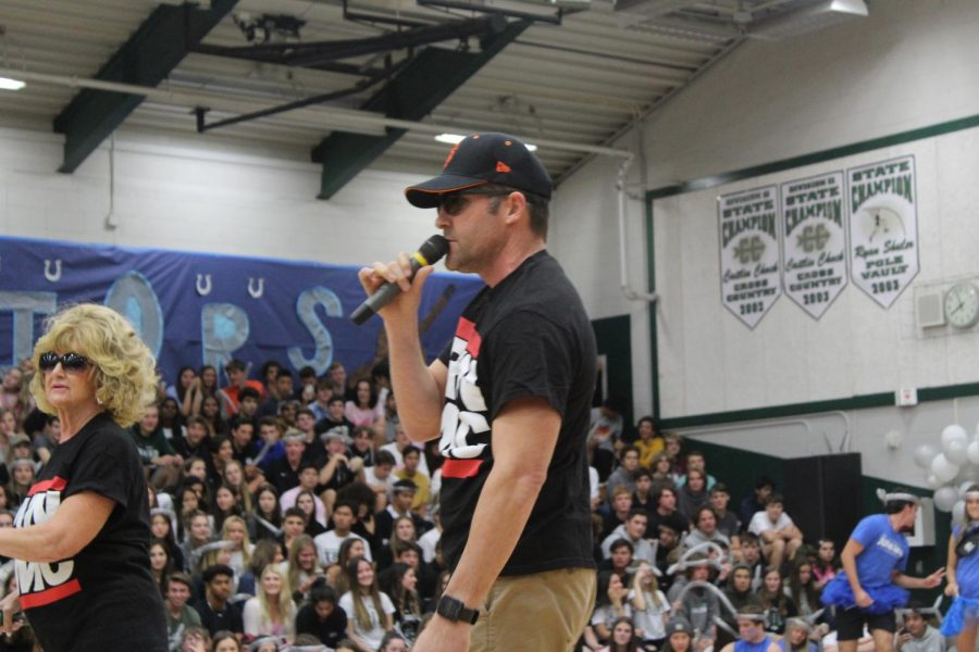 Spanish teacher Grant Adams participates in an epic teacher rap battle.